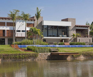 Itu Residence, Weekend Retreat in Brazil