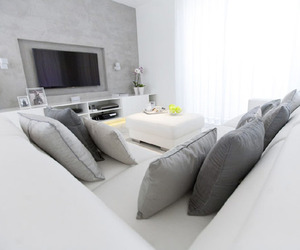 White Apartment in Warsaw by Chalupko Design