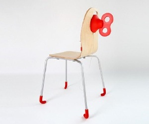 Wind-Up Chair That Charges Your Smartphone