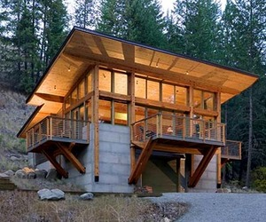 Wintergreen Cabin by Balanceassociates