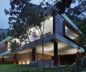 Wonderful BR House by Marcio Kogan