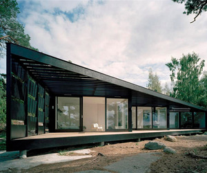 Wood and Glass Summerhouse on the Stockholm Archipelago