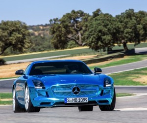 World's First Mercedes-Benz Electric Sueprcar
