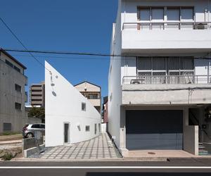Y House by Hideyuki Nakayama Architects