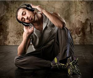 Zumreed X2 Hybrid   Headphones and Portable Speakers